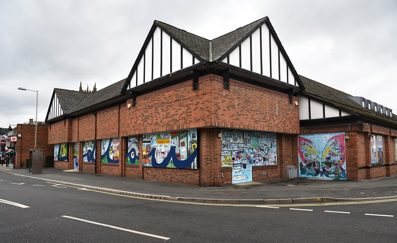 Ludlow turns a store closure into a community arts project...